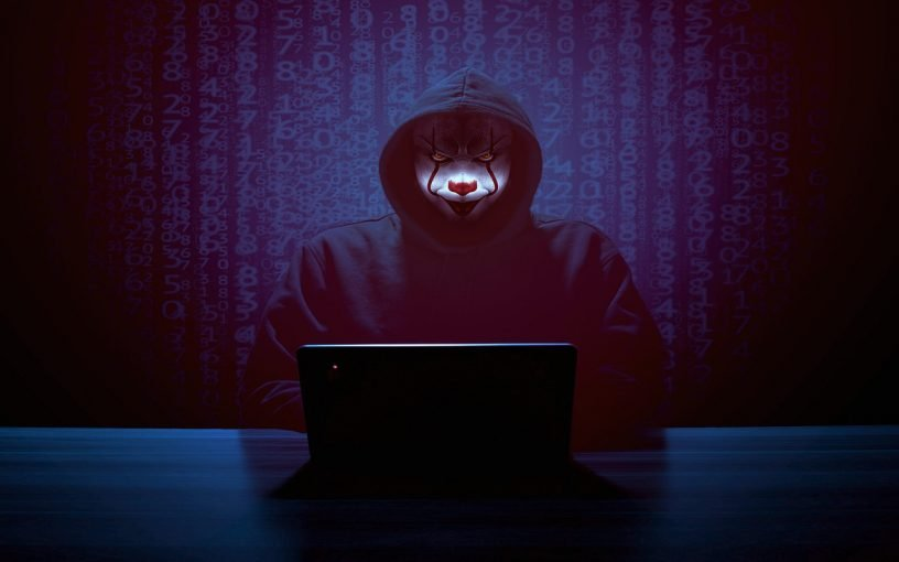 Hacker Mask Laptop Computer It  - ParallelVision / Pixabay