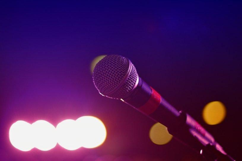 Audio Microphone Bokeh Bright  - Pexels / Pixabay