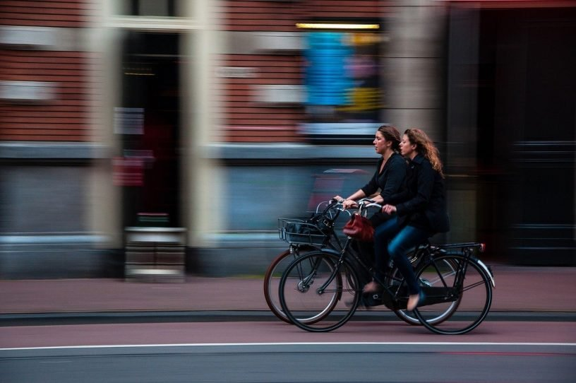 Cyclists Bikers Bicycles Girls  - Free-Photos / Pixabay