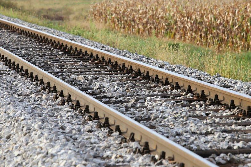 Rail Rocks Countryside Railway  - GoranH / Pixabay