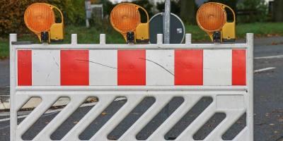 Road Block Shut Off Site  - manfredrichter / Pixabay