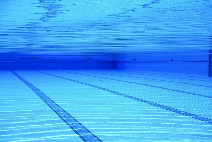 Swimming Pool Water Blue Pool  - 526663 / Pixabay
