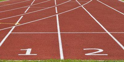 Tartan Track Career Athletics Start  - anncapictures / Pixabay