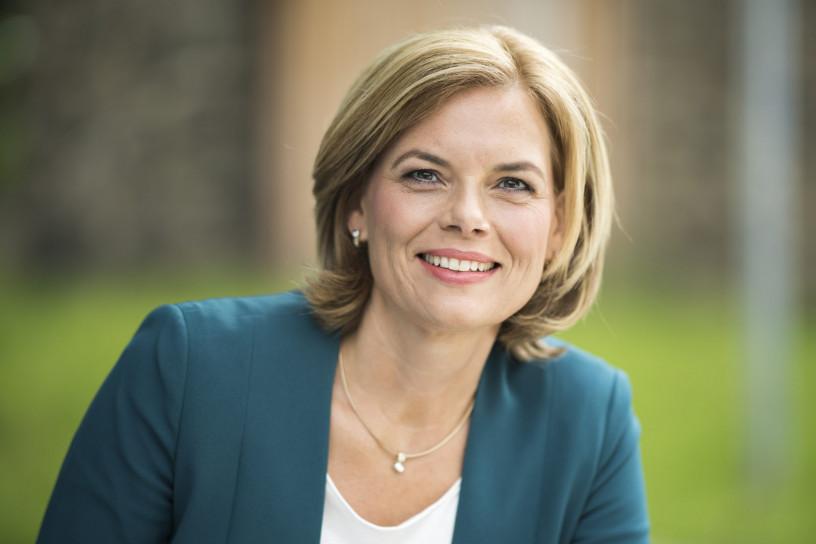Julia Klöckner empfängt Hilfstrupp