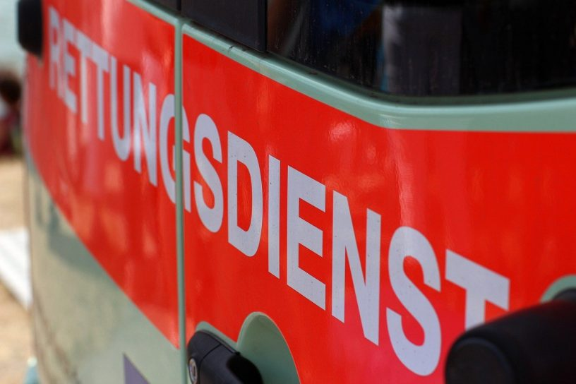 Emergency Medical Services Ambulance  - TechLine / Pixabay
