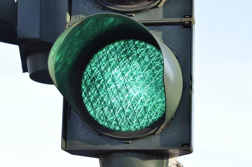 Traffic Light Signal Traffic Street  - WikimediaImages / Pixabay