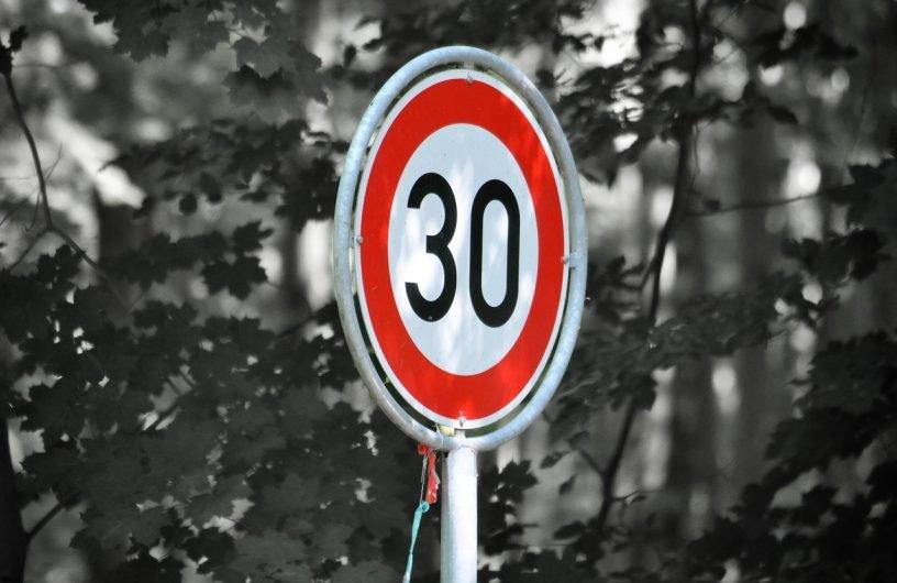 Bundesstraße 48 erhält Tempolimit – Arbeiten an Ampeln