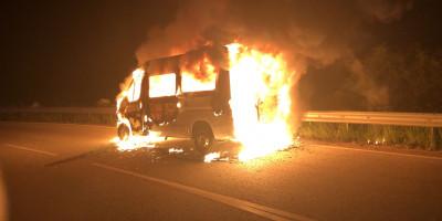 Bad Kreuznach: Kleintransporter bei Winzenheim ausgebrannt