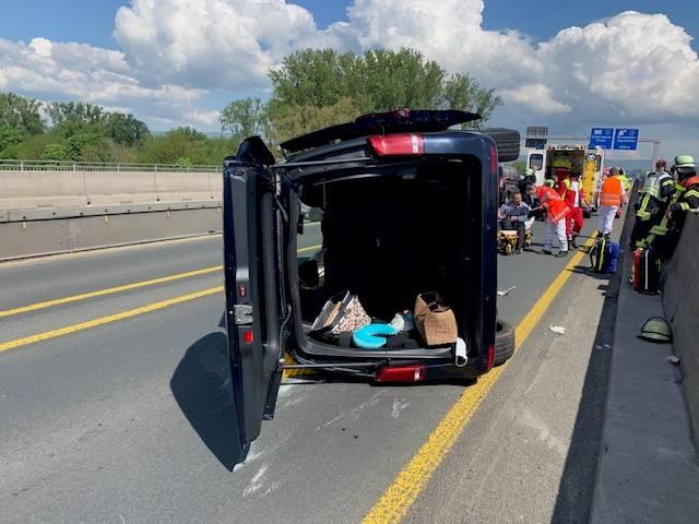 Verletzte Familie bei Unfall auf Schiersteiner Brücke