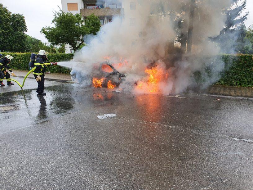 Auto brennt in Winzenheim aus
