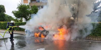Bad Kreuznach: Auto brennt in Winzenheim aus