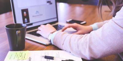 Student Typing Keyboard Text Woman  - StartupStockPhotos / Pixabay