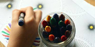 Crayons Coloring Book Coloring Hand  - ponce_photography / Pixabay