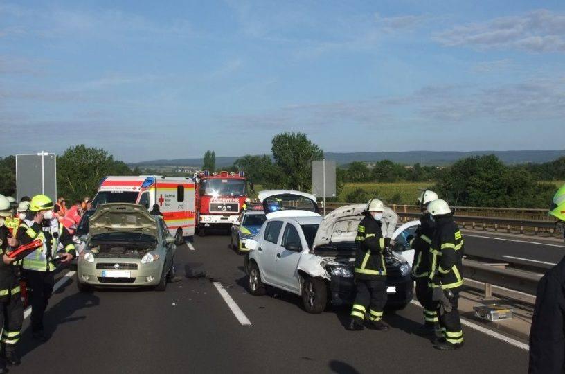 Drei Verletzte bei Unfall auf B41