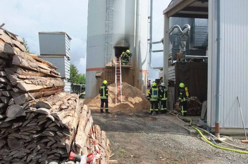 Spänesilo in Spabrücken fängt Feuer