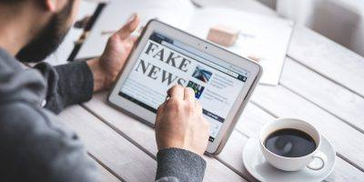 Fake News Hoax Press Computer  - memyselfaneye / Pixabay