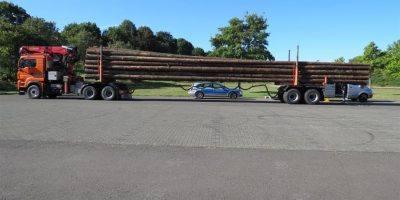 Birkenfeld: Überladene Holztransporter bei Morbach