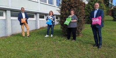Birkenfeld: OIE-Taschenaktion zur Schulbuchausleihe